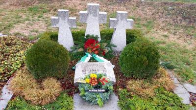 Kriegsgräber Denkmal Hohenwerbig 2018 zur Kranzniederlegung