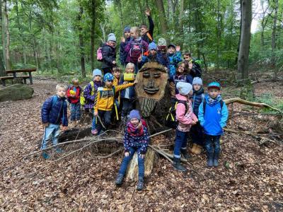 Foto zur Meldung: Auf den Spuren der Natur - Wandertag Klasse 1