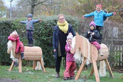 """Foto zur Meldung: Neue Holzpferde für die """"Kleine Arche"""""""