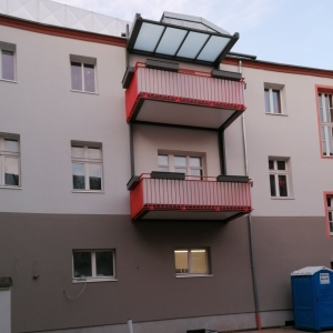 Innenhofgestaltung und Balkonanbau