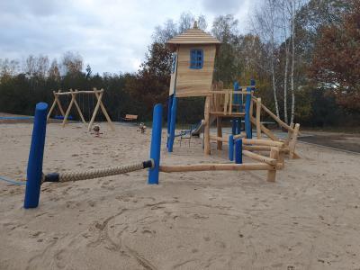 Vorschaubild zur Meldung: Stille Eröffnung des neuen Spielplatzes im Ortsteil Amalienfelde