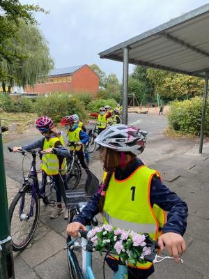 Foto zur Meldung: Fahrradführerschein der Viertklässler