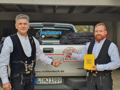 Foto zur Meldung: neuer Meister im Dachdeckerhandwerk