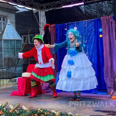 """""""Schneeline"""" und ihre Freunde aus der """"Zauberwerkstatt"""" treten in diesem Jahr im Glasscheibentheater auf. Foto: Andreas König/Stadt Pritzwalk"""