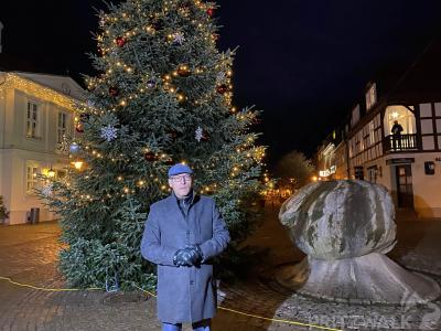 Vorschaubild zur Meldung: Innenstadt erstrahlt in weihnachtlichem Licht