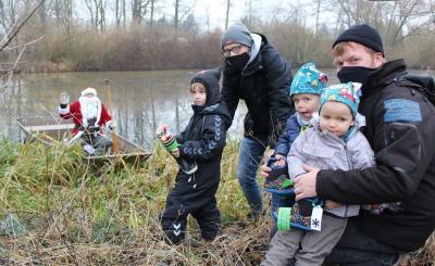 Foto zur Meldung: Der Nikolaus kam im Ruderboot