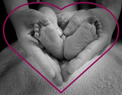 Foto zur Meldung: Babymassage - Berührung mit Respekt®