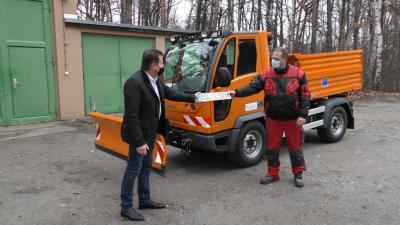 Vorschaubild zur Meldung: Neues Nutzfahrzeug für Stadtverwaltung
