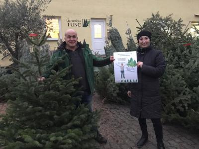 Foto zur Meldung: Weihnachtsbaum Spenden-Aktion