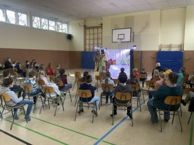 Foto zur Meldung: SCHNURZePIEPe Theater, Pettersson kriegt Weihnachtsbesuch