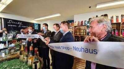"""Bild der Meldung: Vom digitalen zum lokalen Marktplatz - Einweihung des """"Thüringer Wald Shops"""" in Neuhaus am Rennweg"""
