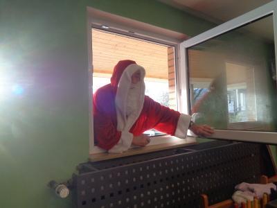 """Foto zu Meldung: """"Guten Tag, ich bin der Nikolaus"""" – Nikolausfeier im Kindergarten Pfarracker"""