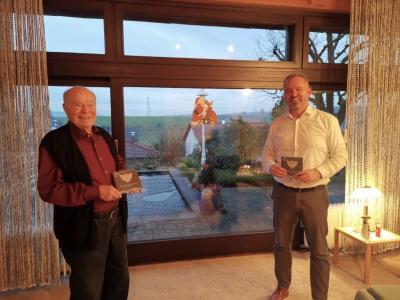 Autor Fritz Barth und Bürgermeister Maik Brandt