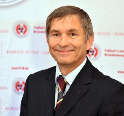 Bild der Meldung: Dieter Dünnbier über den neuen Ehrenamtspreis
