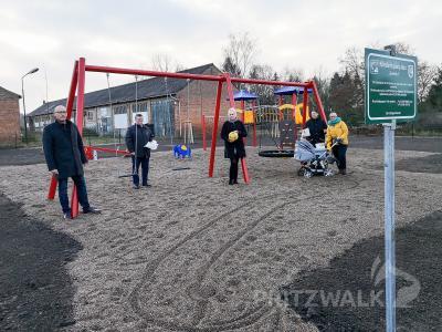 Ein neuer Spielplatz lädt jetzt in Seefeld ein. Foto: Beate Vogel