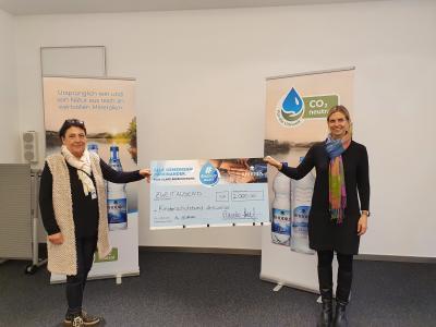 """Foto zur Meldung: """"RHODIUS hilft Initiative"""" überrascht  Kinderschutzbund Ahrweiler mit großzügiger Spende"""