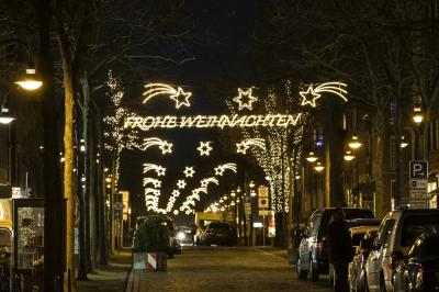 weihnachtlich beleuchtete Innenstadt I Foto: Jens Wegner