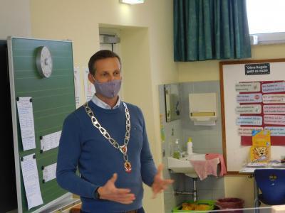 Bürgermeister besucht die Klasse 4a in Dormitz
