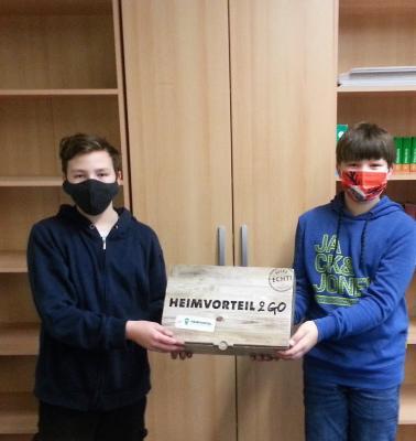 Vorschaubild zur Meldung: Sauerland-AG der Sekundarschule Olsberg-Bestwig freut sich über Heimvorteil2Go-Boxen