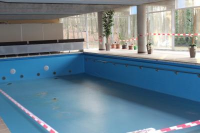 Kann das einstige Schwimmbad der Diakonie-Gemeinschaft reaktiviert werden? Das soll eine Steuerungsgruppe nun ausloten.