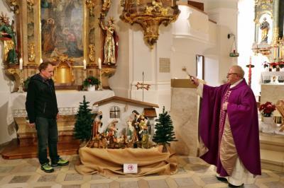 Foto zur Meldung: Heiliger Abend und Weihnachten in der Pfarrgemeinde gefeiert