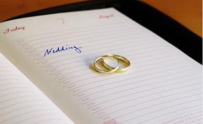 Hochzeit Termin Eheringe Ringe Gold Heiraten Quelle: https://pixabay.com/