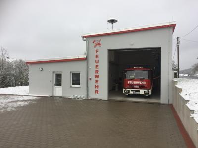 Gebäudeinbetriebnahme und Feuerwehrfahrzeugübergabe in Ütteroda