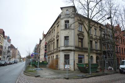 Auch das Eckgebäude in der Goethestraße 4 wird saniert I Foto: Martin Ferch