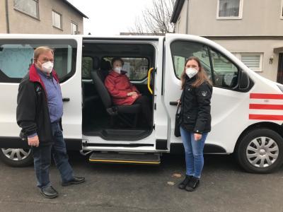 Foto zur Meldung: Erste Fahrt mit dem Bürgerbus zum Impfzentrum