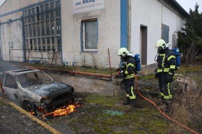 Foto zur Meldung: Opelbrand in Damsdorf gelöscht