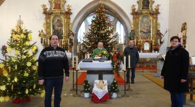 Bild der Meldung: Pfarrgemeinde gratuliert Monsignore Sperl zu seiner Ernennung