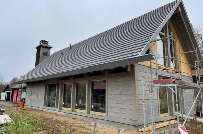 Foto zur Meldung: Baufortschritt am neuen Gemeindezentrum in Lehde