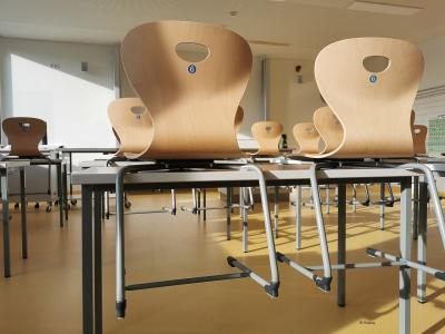 Klassenräume in Grundschule Groß Machnow erhalten neuen Anstrich