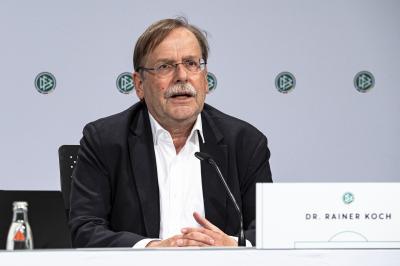 Dr. Rainer Koch auf einer DFB-Sitzung