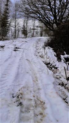 Frisch gebauter Radweg wurde zerfahren!
