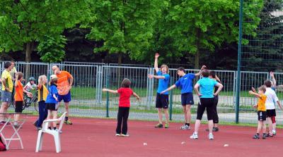 Foto zur Meldung: 1. Schüler- und Abendsportfest mit Sportabzeichenabnahme 2012