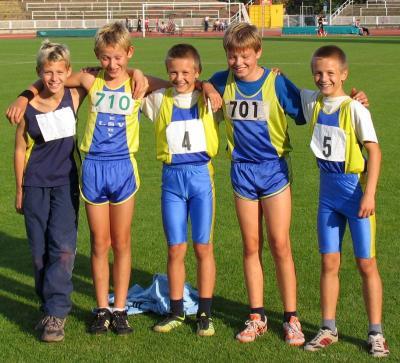 Die C-Schüler aus Weißwasser Niesky und Ostritz jubelten nach einem ausgezeichneten Staffellauf