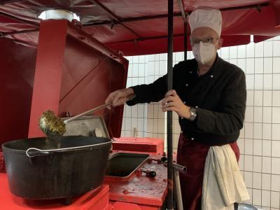 In der hauseigenen Gulaschkanone wurden 50kg Knieperkohl zubereitet I Foto: Feuerwehr Wittenberge