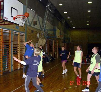 Foto zur Meldung: Weihnachtsturnier Basketball 2003