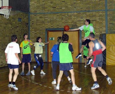 Foto zur Meldung: Weihnachtsturnier Basketball 2005