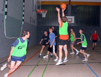 Foto zur Meldung: Weihnachtsturnier Basketball 2006