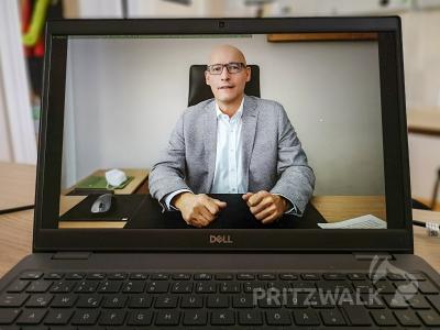 Bürgermeister Dr. Ronald Thiel will sich in einer regelmäßigen digitalen Sprechstunde den Fragen der Bürgerinnen und Bürger stellen. Foto: Beate Vogel