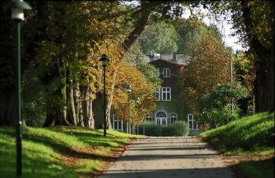 Haushaltsausschuss des Deutschen Bundestages gibt grünes Licht für 109 Modellprojekte zur Klimaanpassung und Modernisierung in urbanen Räumen - Stiftung Mecklenburger ParkLand erfolgreich