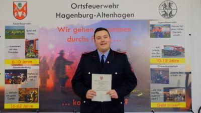 SAC - Feuerwehr ehrt Corona konform