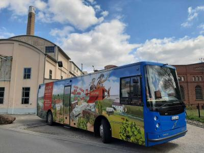 Foto des Landkreises Elbe-Elster: Bücherbus der Kreisfahrbibliothek