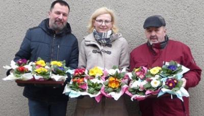 Foto zu Meldung: Nahmitzer Ortsbeirat verteilt Blumen