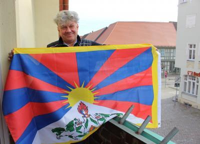 Wittstock zeigt Flagge für Tibet