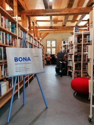 Stadt Perleberg | Bücher und Medien in der BONA Stadtbibliothek ab Montag greifbar.