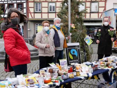Faire Rosen am Stand der Fairtrade-Gruppe Sinzig