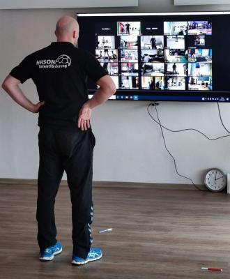 Timo Liepelt leitet das Online-Training
